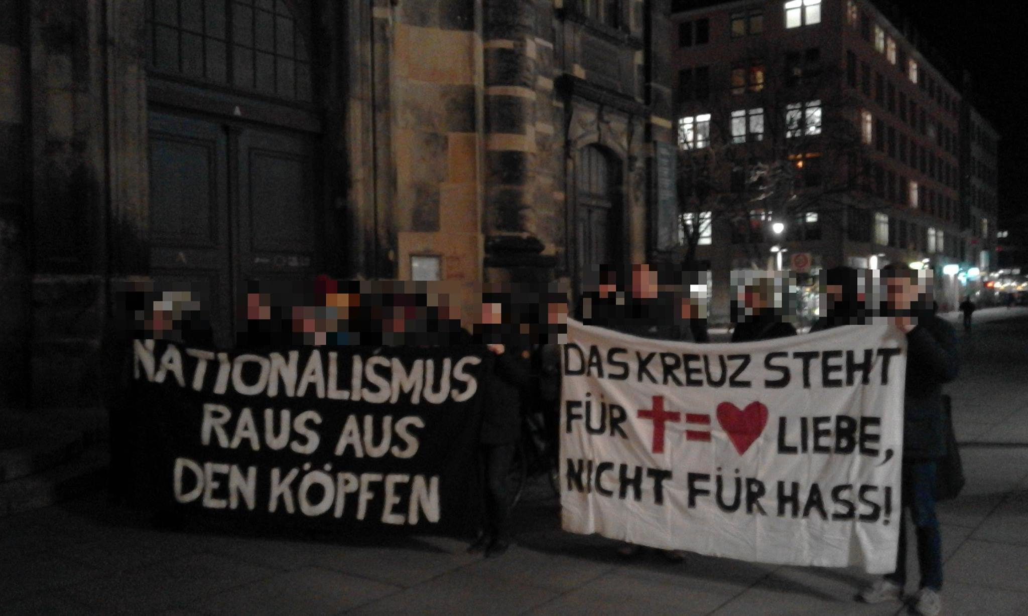 Kundgebung vor der Kreuzkirche